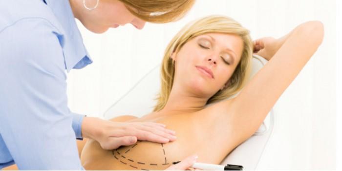 Hai mặt của những biện pháp nâng ngực phổ biến
